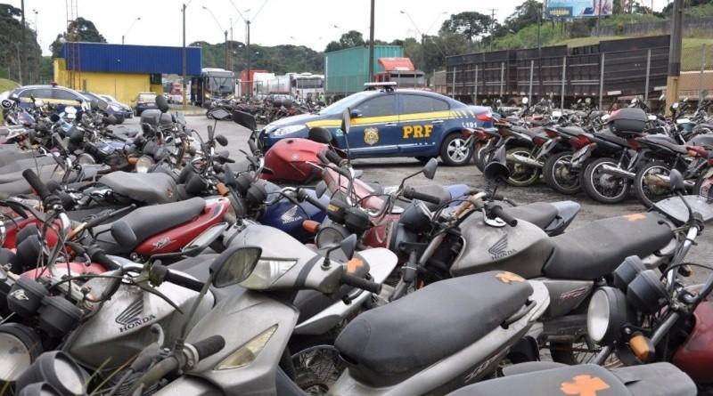 Proprietários de veículos leiloados recebem saldo remanescente