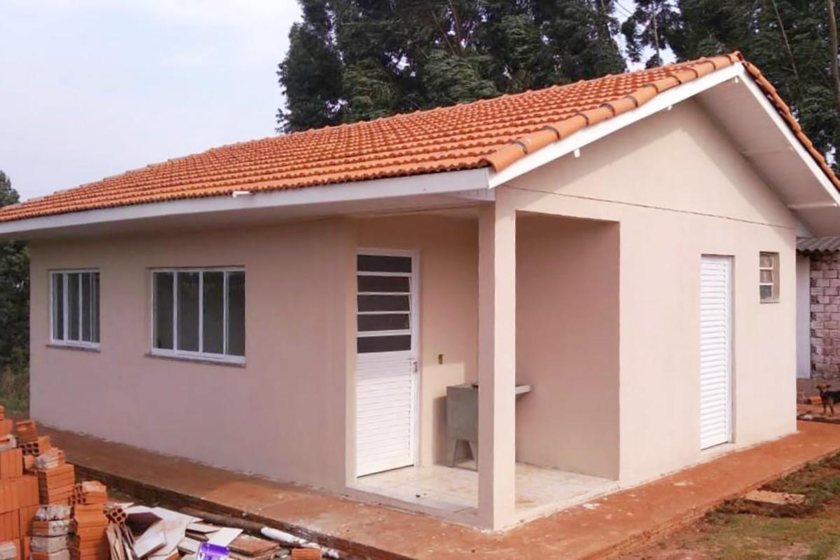 Cohapar e prefeitura vistoriam obras de 57 casas rurais em Cascavel