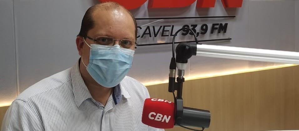 """Vacinação de adolescentes: """"Eu vou vacinar minhas filhas"""", diz Nicácio"""
