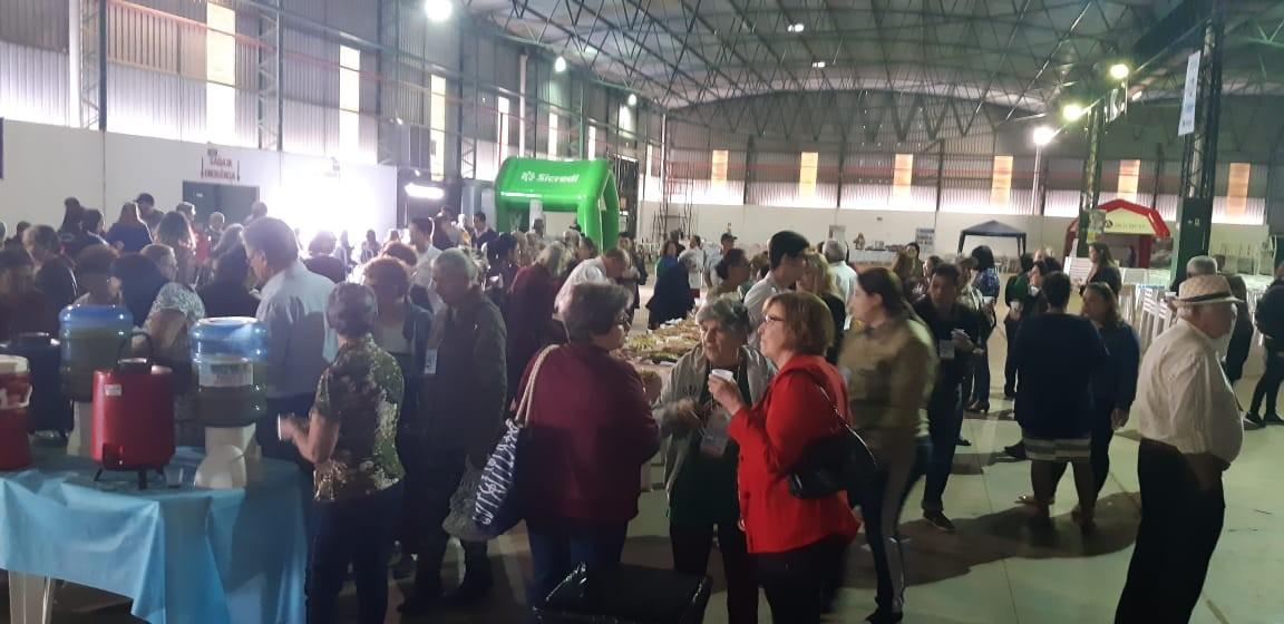 Mais de duas mil pessoas no Felicidade do Idoso, em Cascavel