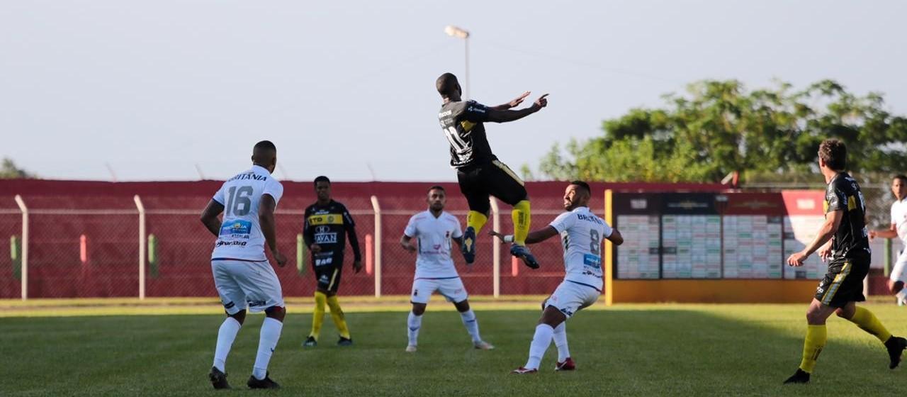 FC Cascavel vence  Paraná Clube e se isola na liderança do Paranaense