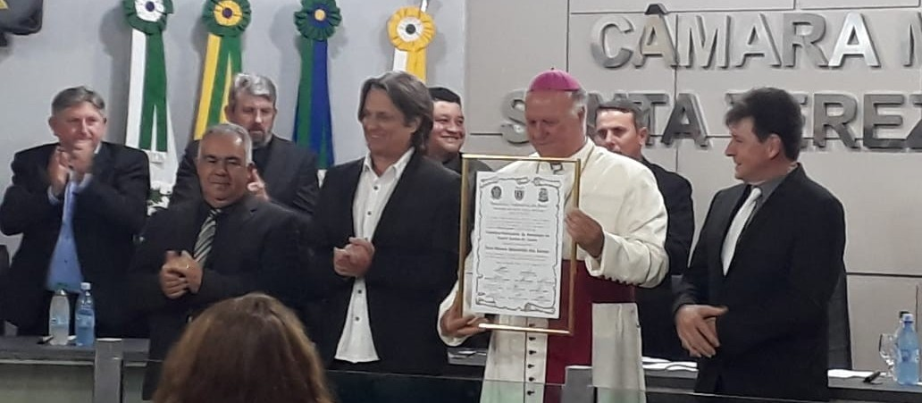 Arcebispo Dom Mauro recebe título de cidadão honorário de Santa Tereza do Oeste