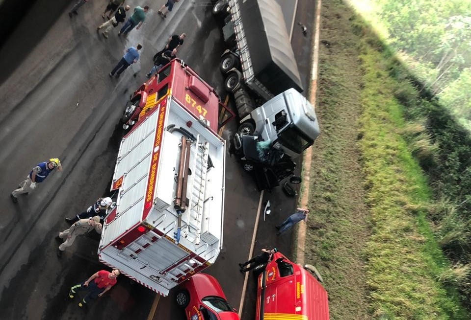Dois morrem em acidente na BR-163