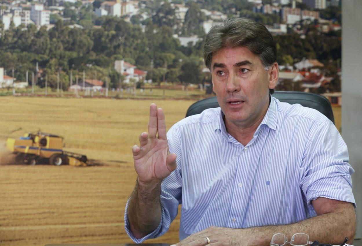 Prefeito Leonaldo Paranhos diz sofrer ataques políticos
