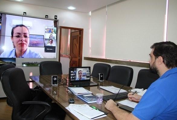 Cascavel apresenta ações de enfrentamento à Covid-19 para o Brasil em reunião da FNP