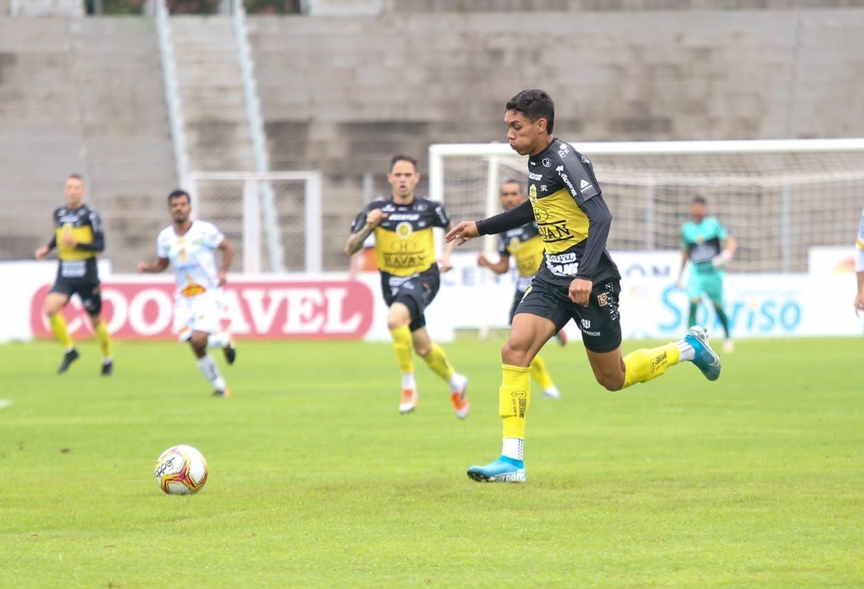 FC Cascavel vence Novorizontino com gol nos acréscimos