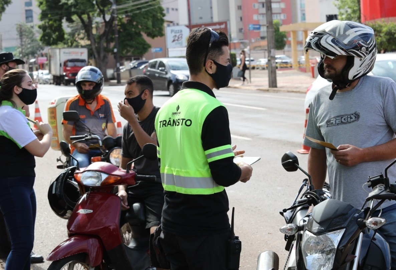Transitar realiza operação Moto Segura