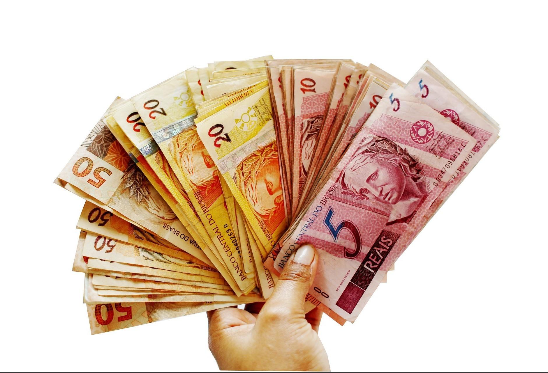 Décimo terceiro salário deve injetar R$ 245 milhões na economia municipal