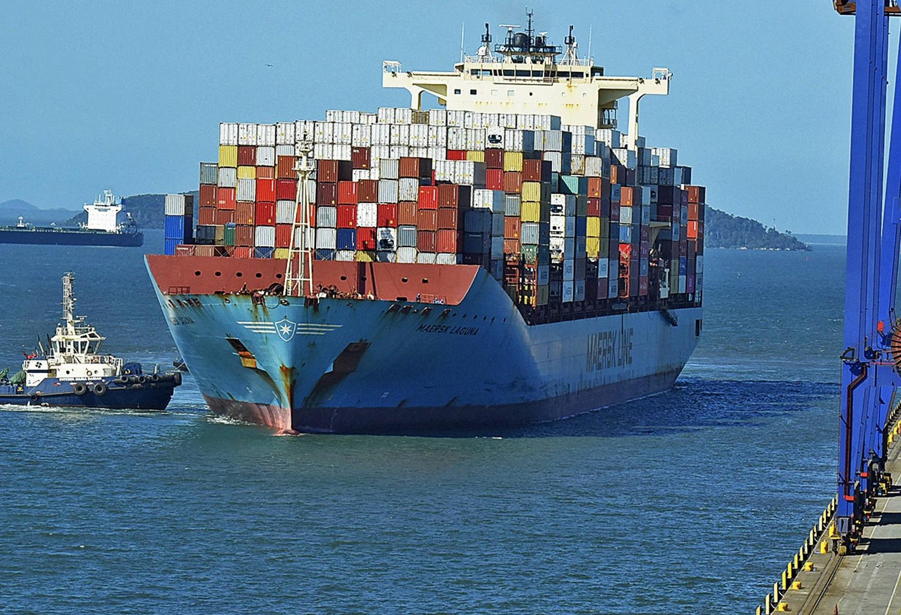 Porto de Paranaguá irá movimentar a maior carga de grãos de sua história