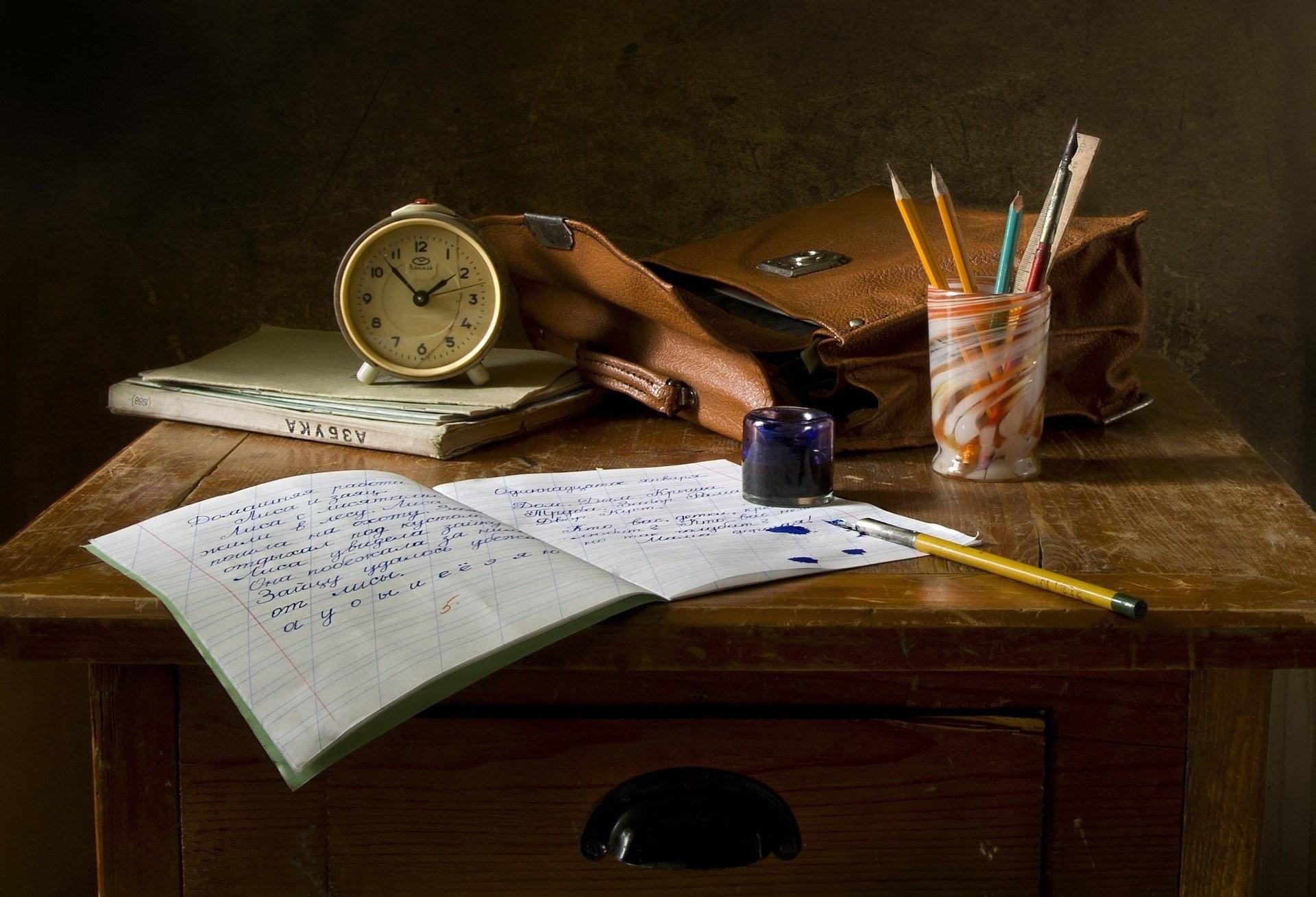 Secretário da Educação  do Paraná garante retorno das aulas neste mês