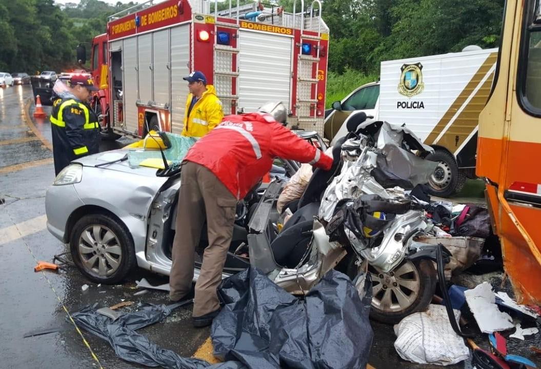 Cinco pessoas da mesma família morrem em grave acidente