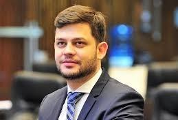 """""""O Paraná irá crescer quando o país crescer"""", diz deputado Tião Medeiros"""