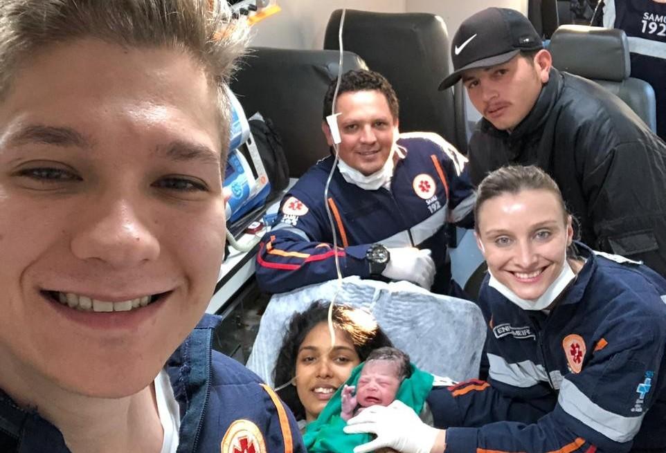 Bebê nasce em ambulância do Samu durante deslocamento a hospital