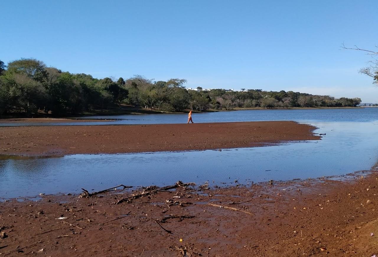 Prefeitura de Cascavel vai contratar empresa para verificar assoreamento do Lago Municipal
