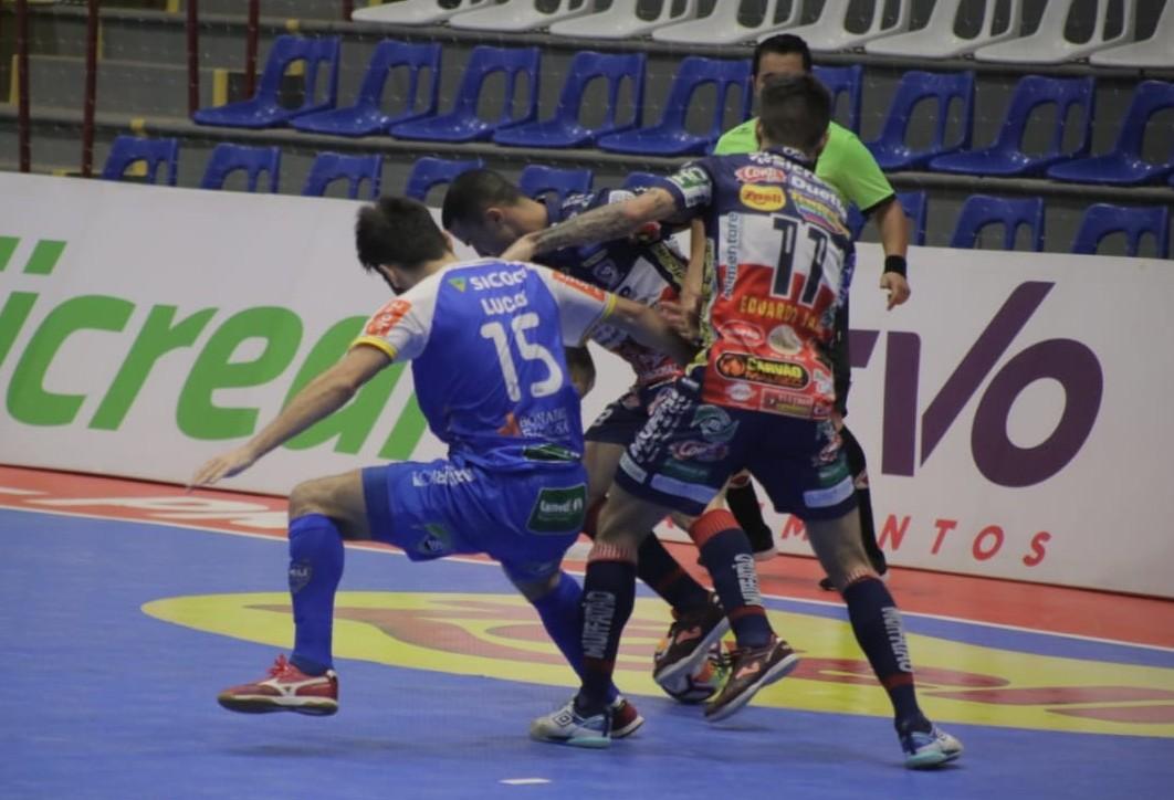 Cascavel Futsal perde para o Umuarama no primeiro jogo da decisão