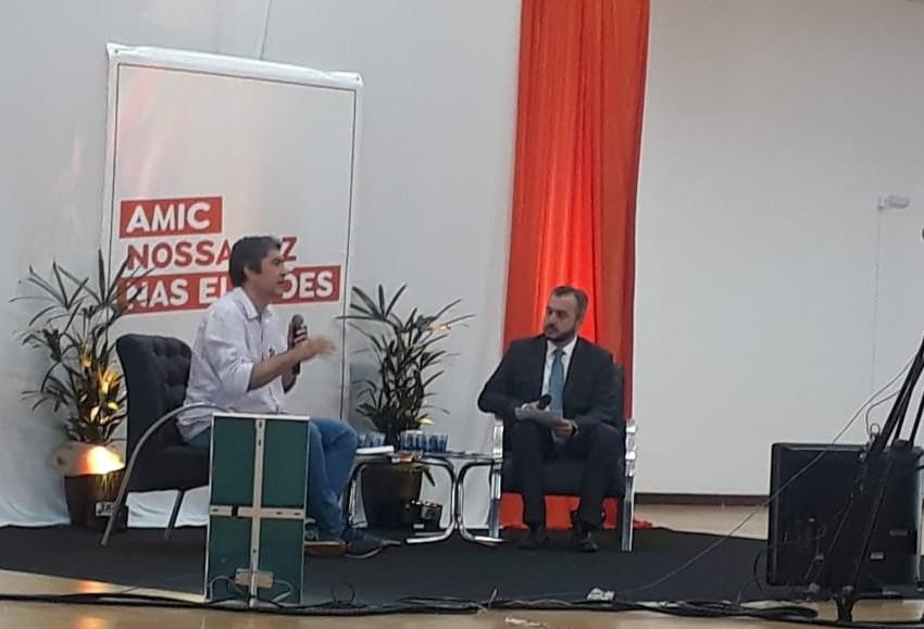 AMIC inicia série de sabatinas com candidatos a prefeito de Cascavel
