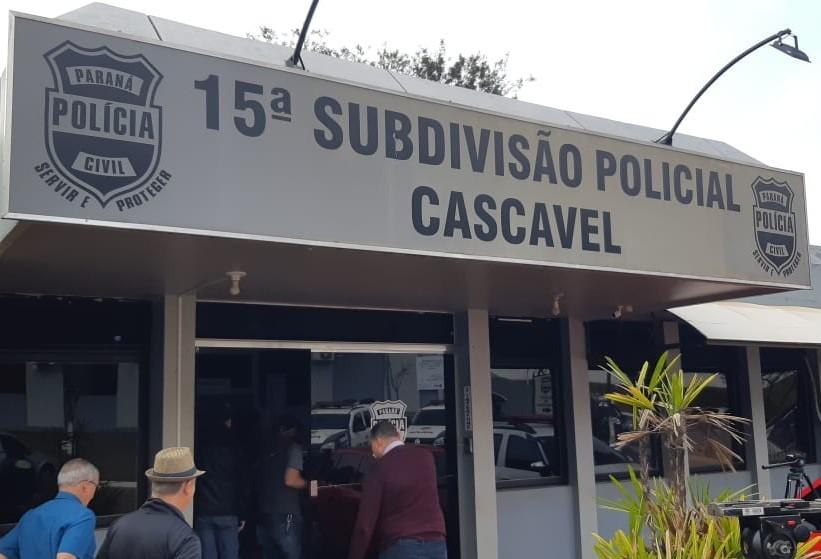 Funcionários registram boletim de ocorrência contra vereador