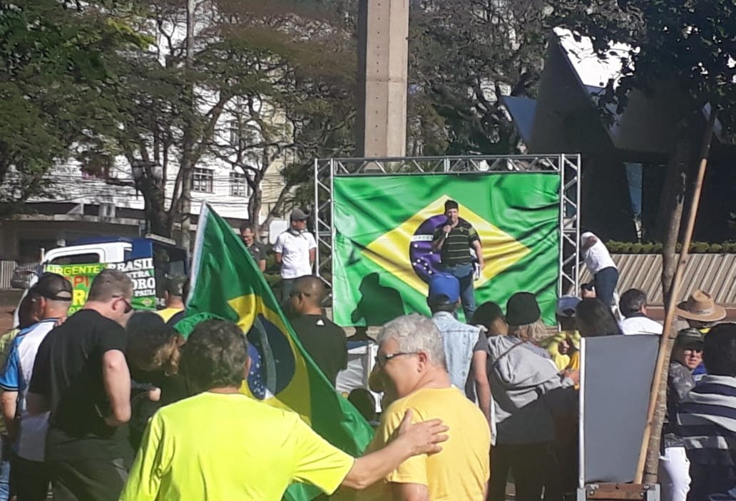 Manifestantes pedem que Bolsonaro vete Lei de Abuso de Autoridade