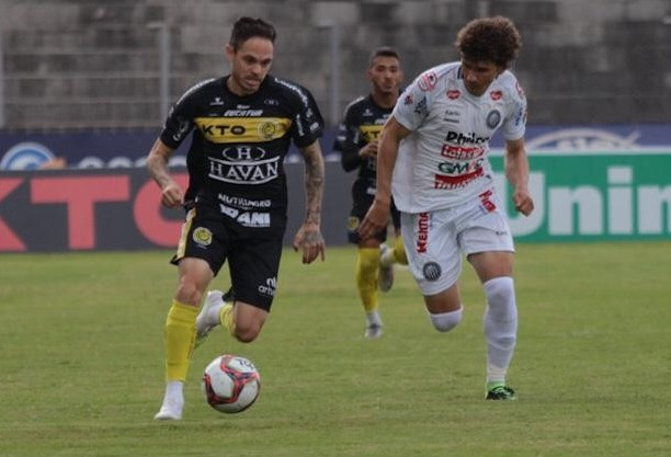 FC Cascavel vence Operário e se isola na liderança do Paranaense