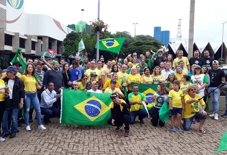 Apoiadores de Bolsonaro organizam manifestação para domingo em Cascavel