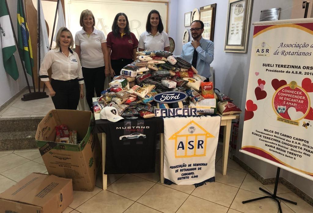 Alimentos arrecadados em evento são doados à Associação das Senhoras de Rotarianos