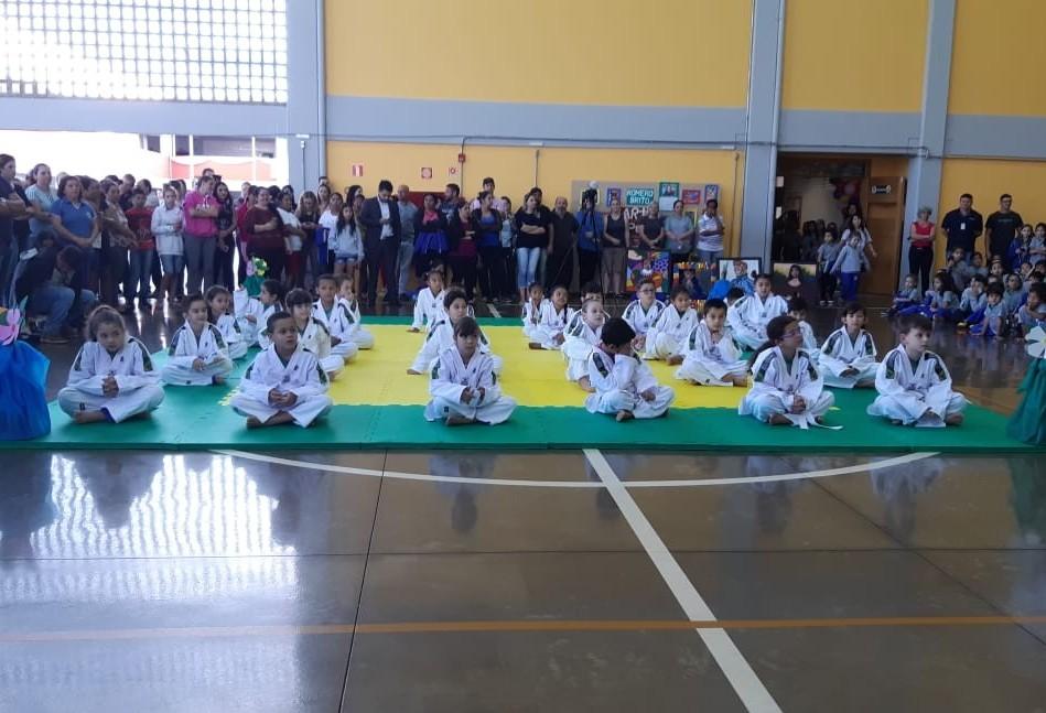 Escola Municipal Ademir Correia Barbosa é inaugurada oficialmente em Cascavel