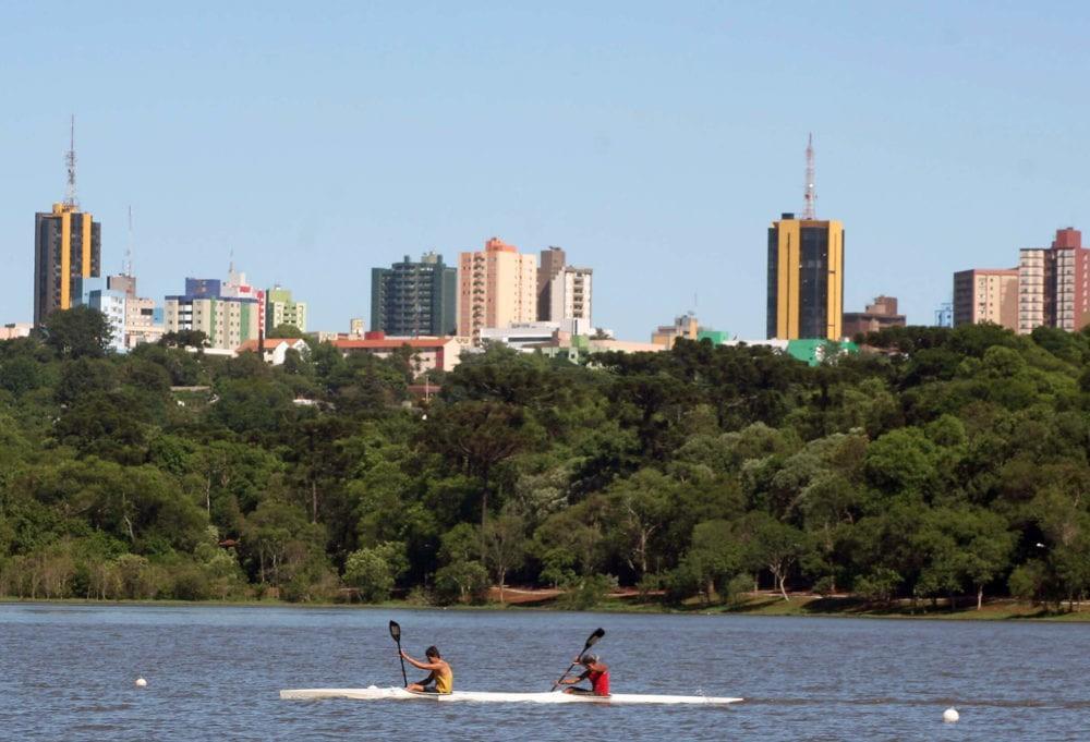 Lago Municipal de Cascavel recebe melhorias para atender a canoagem