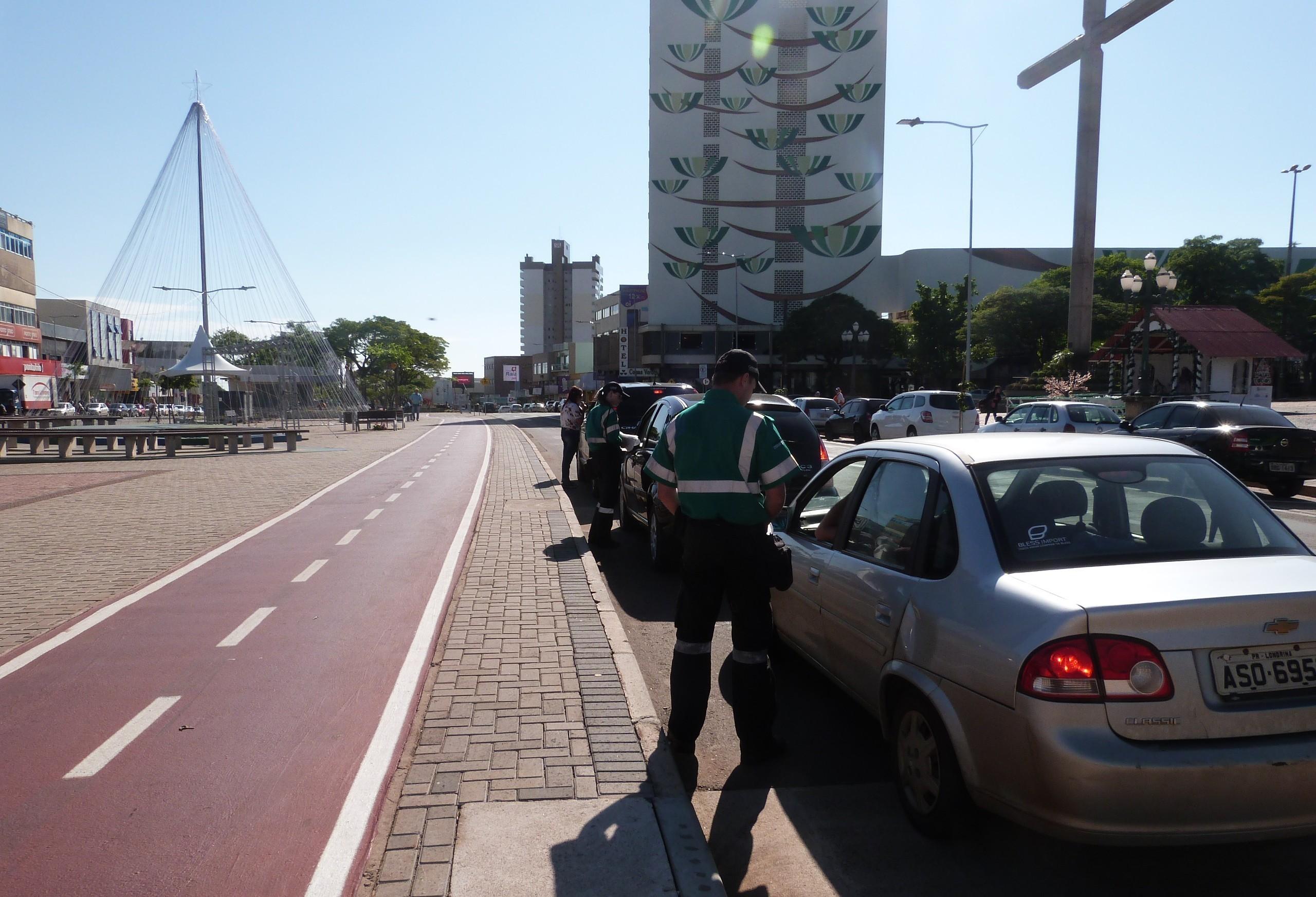 Falta de sincronização dos semáforos gera reclamações à Cettrans