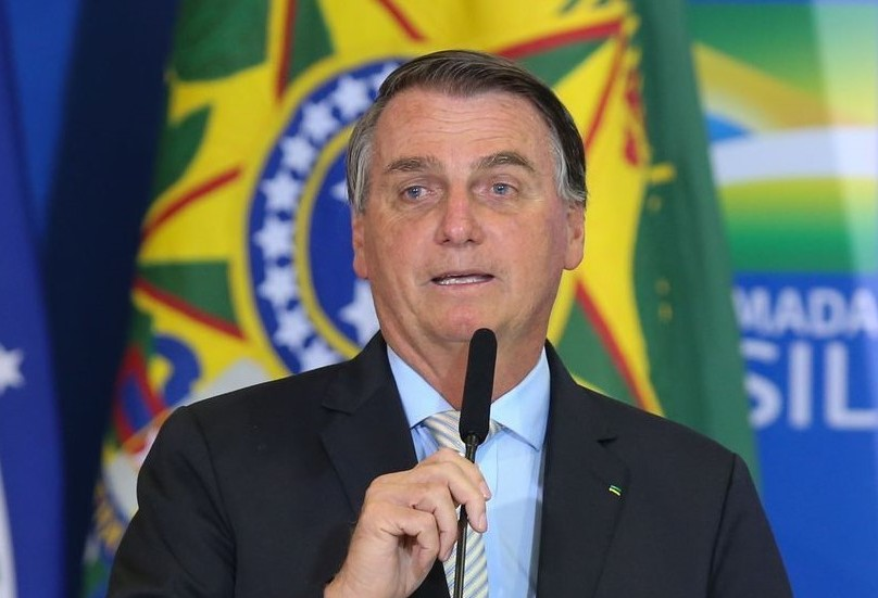 """Sobre os atuais contratos de pedágio no Paraná: """"Um assalto à mão armada"""", diz Bolsonaro"""