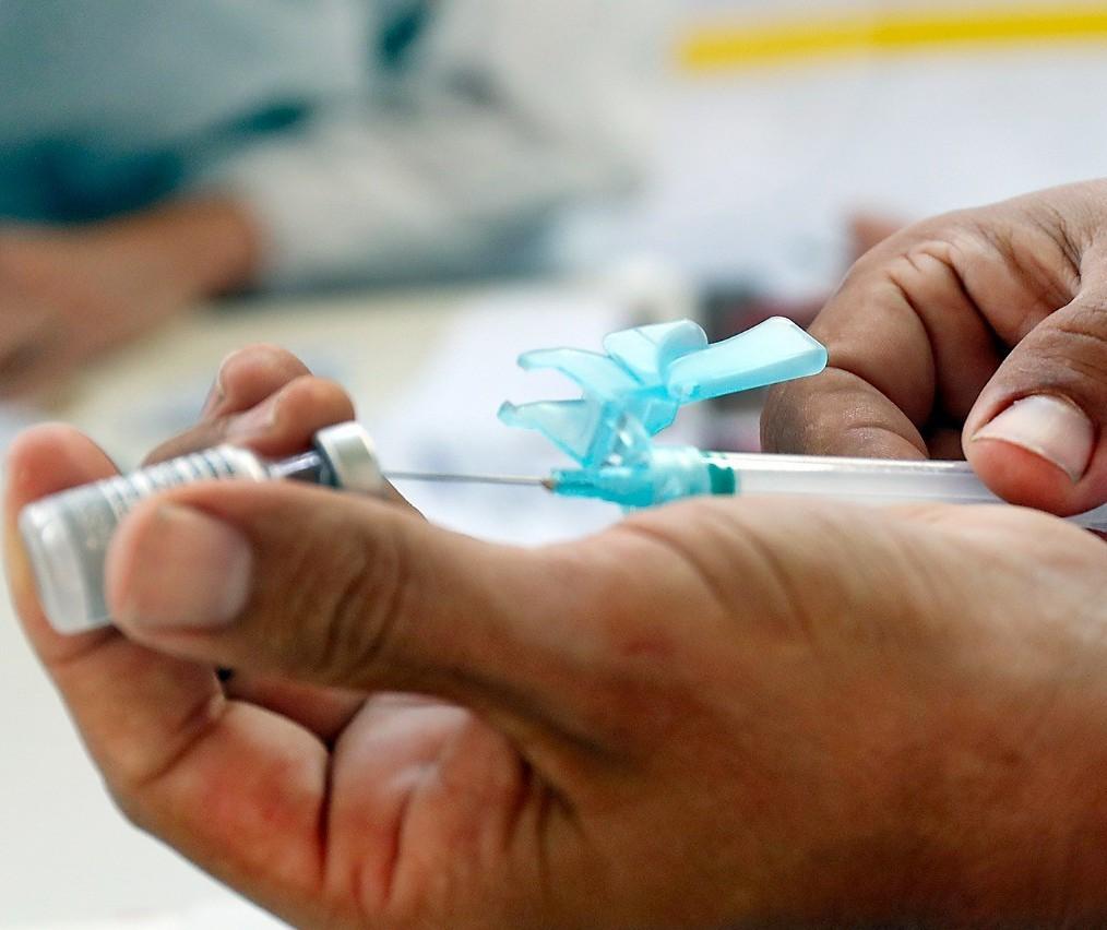 Cascavel faz repescagem da vacina para pessoas com 20 anos ou mais nesta quarta-feira