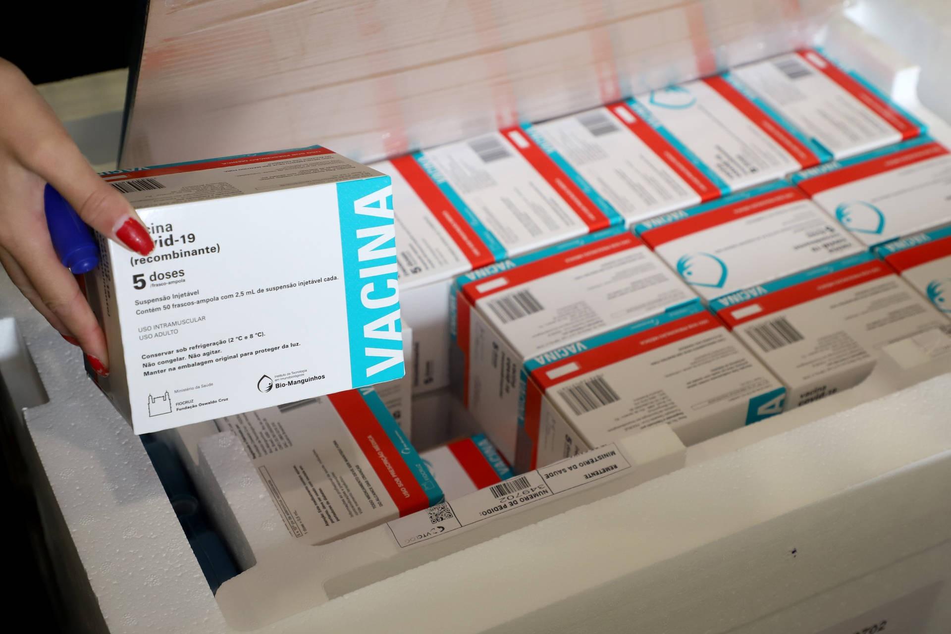 Paraná receberá nesta semana mais 451,7 mil vacinas da AstraZeneca