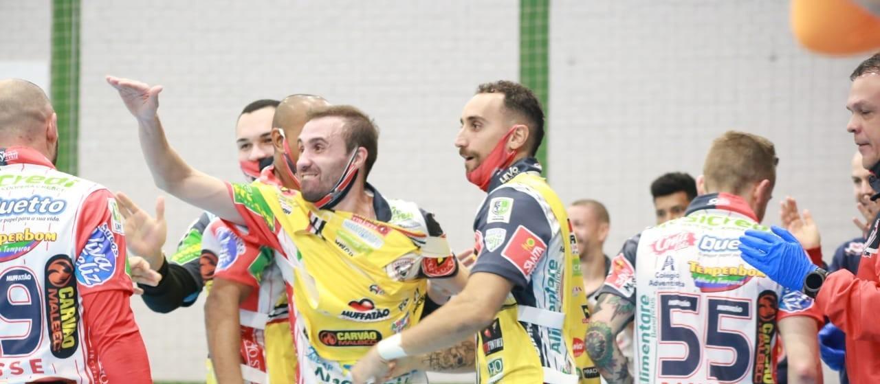 Cascavel Futsal vence  Marreco e ocupa a segunda posição no grupo B