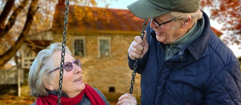 Primeiros condomínios para idosos irão beneficiar 14 municípios