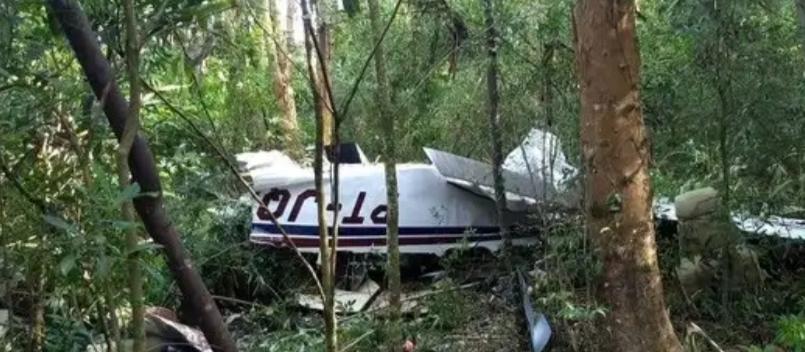 Três pessoas morrem em queda de avião em Cascavel