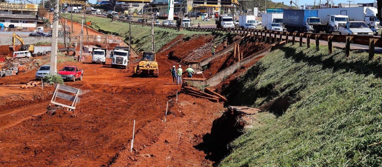 Obras no Trevo Cataratas avançam e se aproximam da etapa de desvio do tráfego