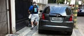 Estacionamento na calçada: infração e desrespeito