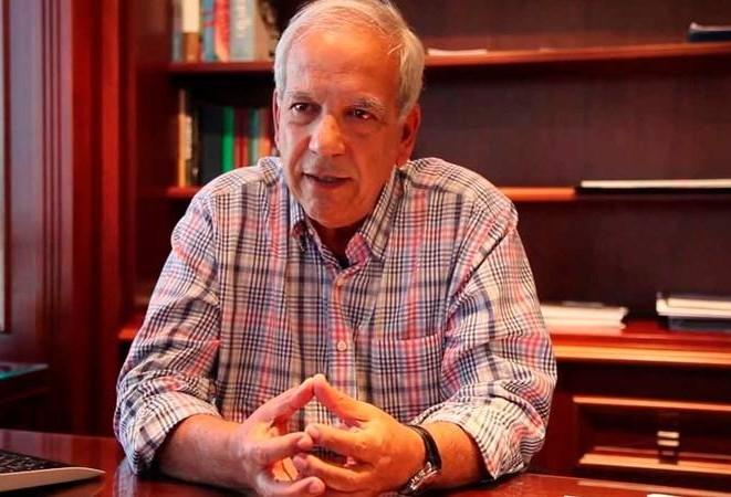 """""""Trabalho é o que não falta"""", diz senador Oriovisto Guimarães"""