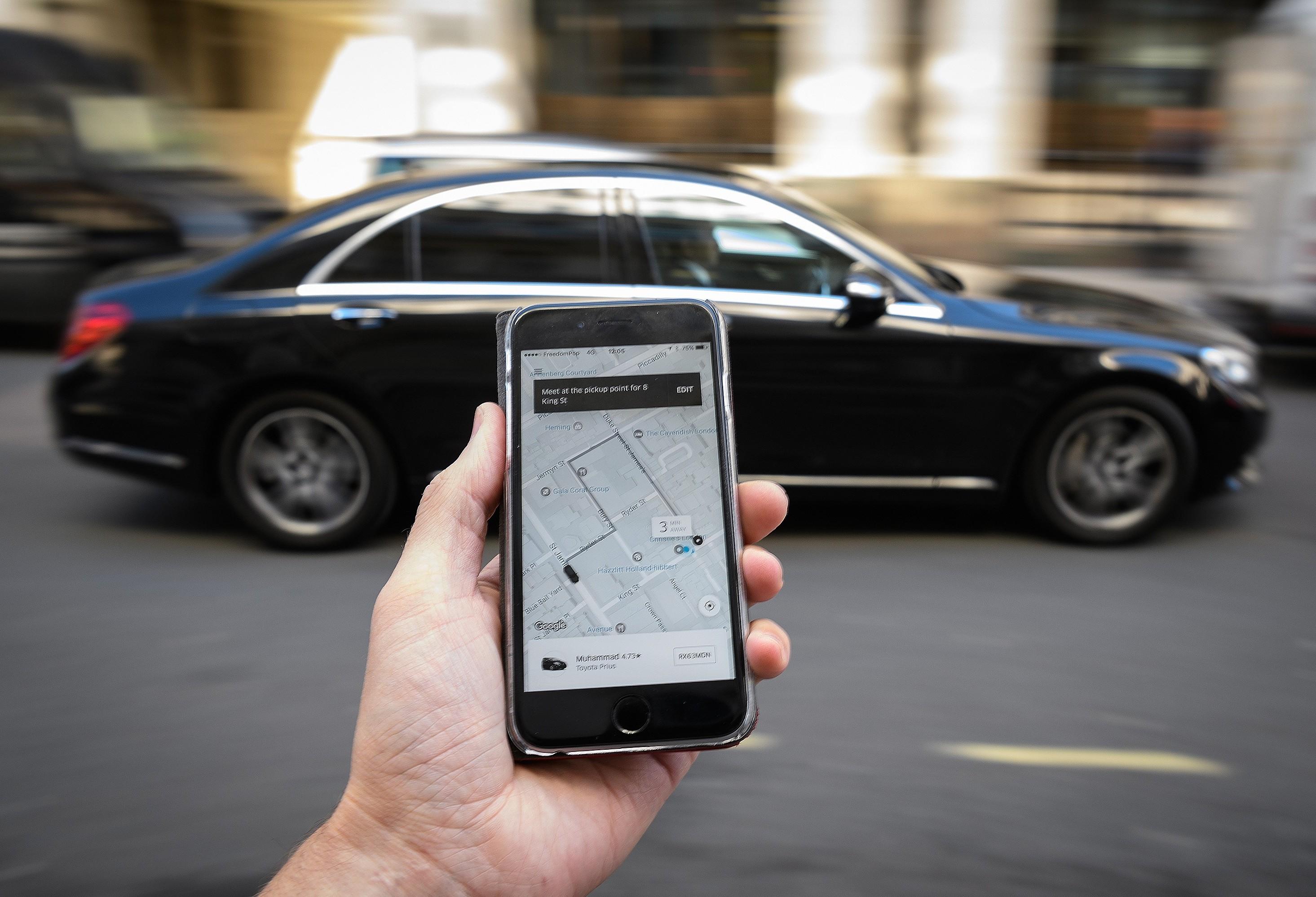 Projeto de Lei que regulamenta motoristas de aplicativos é aprovado