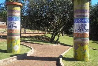 Moradores pedem que Praça dos Mosaicos continue pública