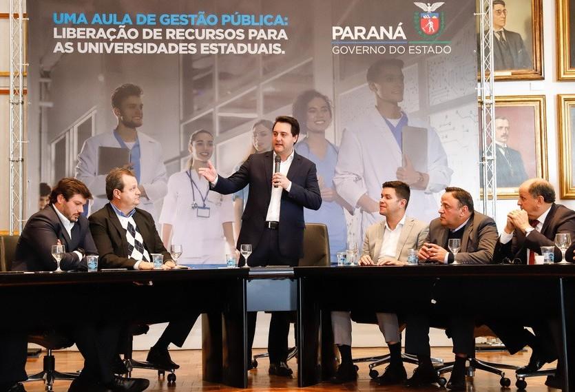 Ratinho anuncia R$ 130 milhões a universidades