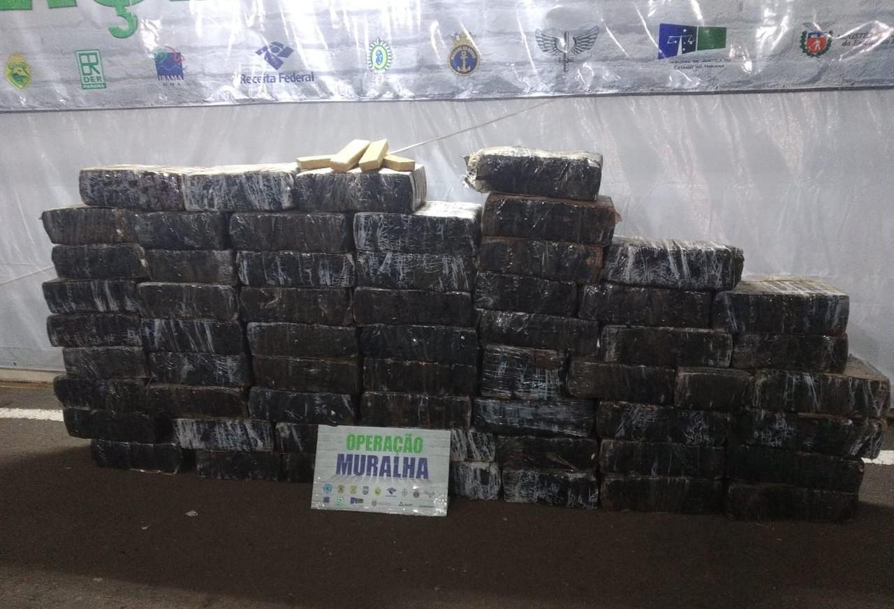 BPFron apreende uma tonelada de maconha em Guaíra