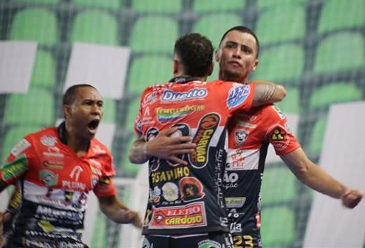 Cascavel Futsal vence, se classifica e fecha a primeira fase da Taça Brasil