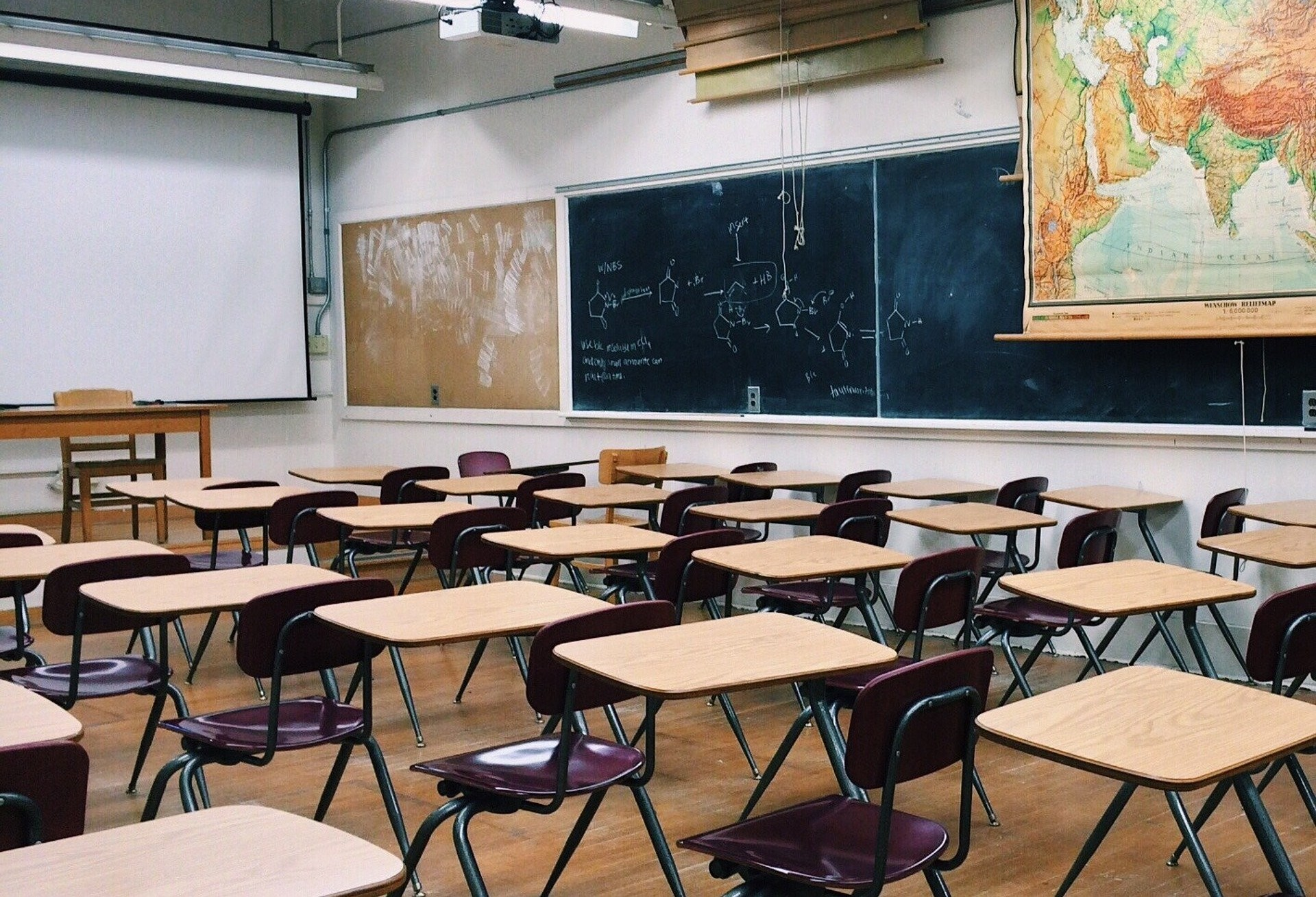 Decreto autoriza crianças ao retorno das aulas da rede particular