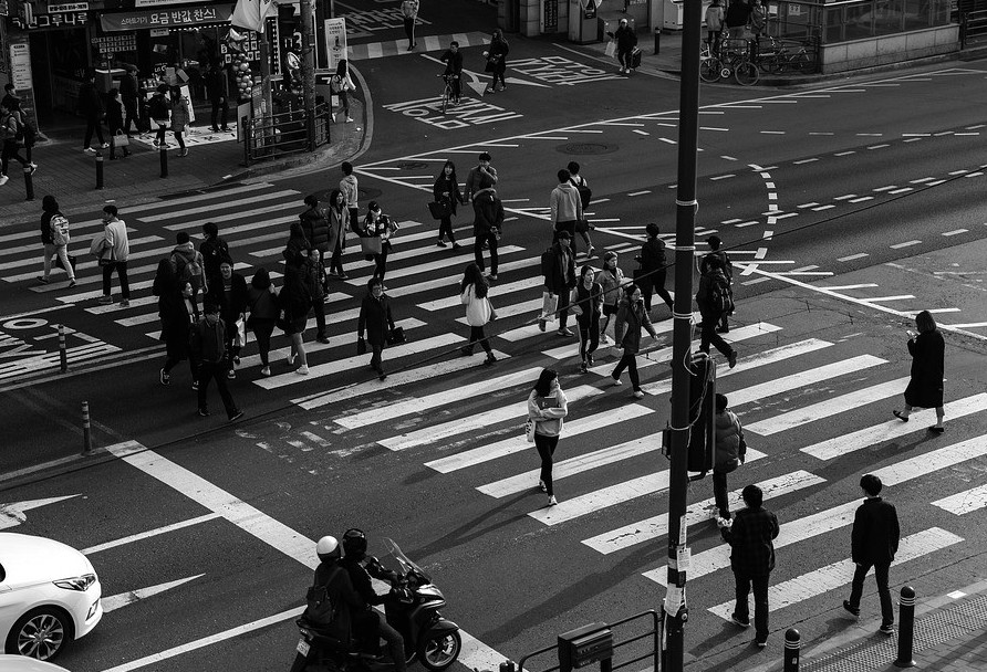 Pedestre: na teoria protegido, na prática exposto