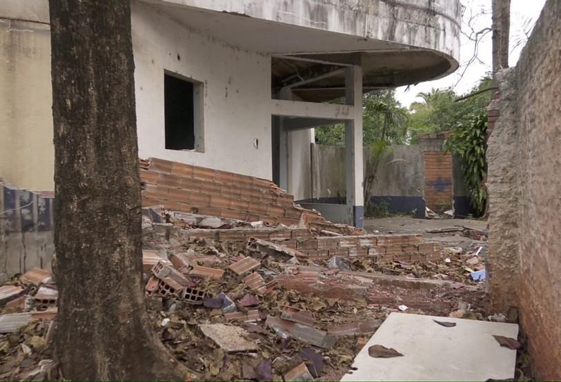 Catadora de reciclável encontra 10 fetos, coração e rim em hospital desativado de Foz