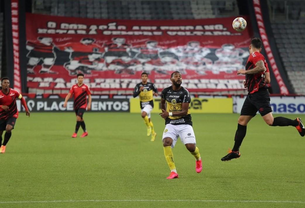 FC Cascavel não consegue segurar o Furacão e é goleado por 5x1