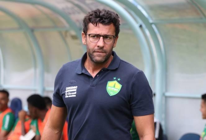 Alberto Valentim é o novo treinador do Athletico