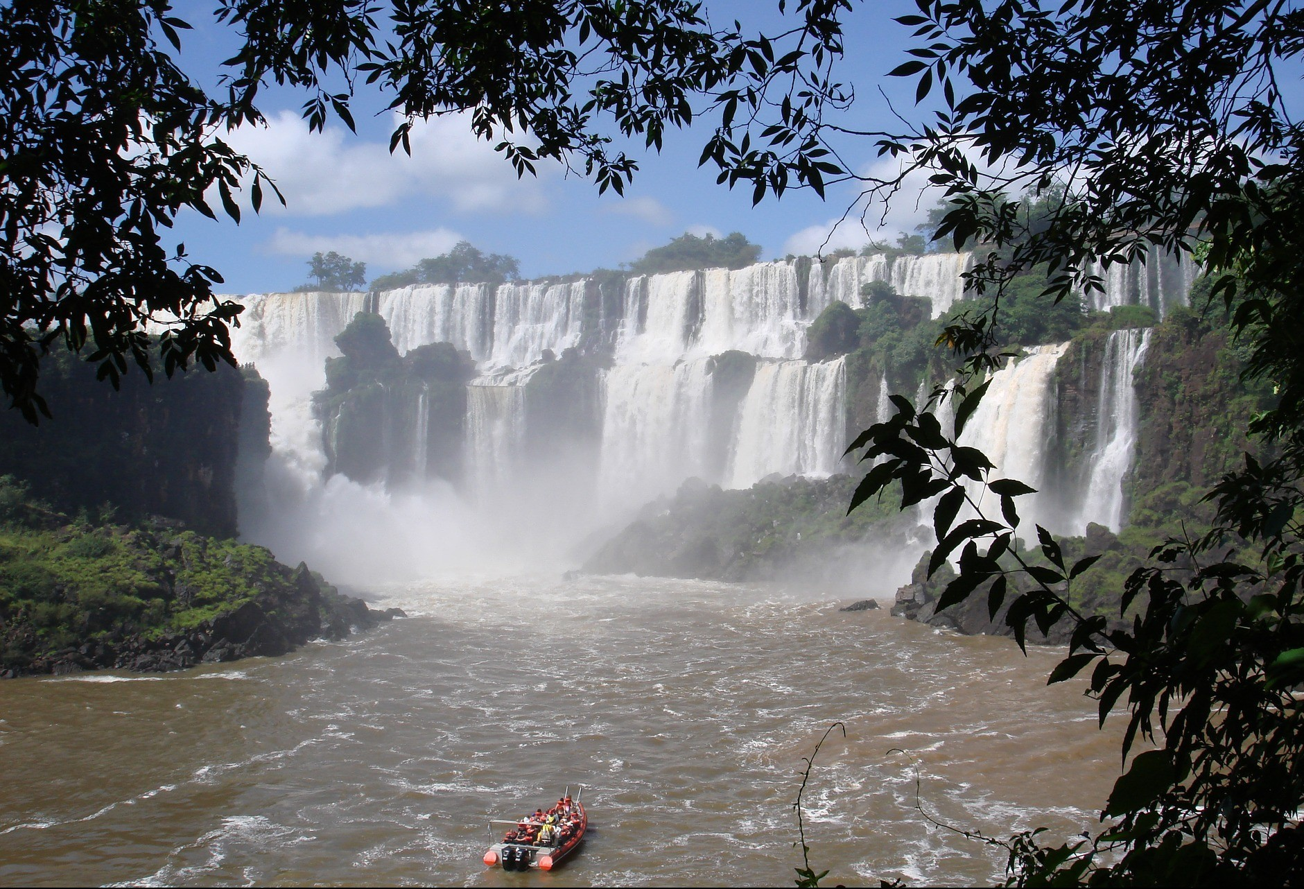 Hotelaria aponta ocupação máxima em Foz do Iguaçu