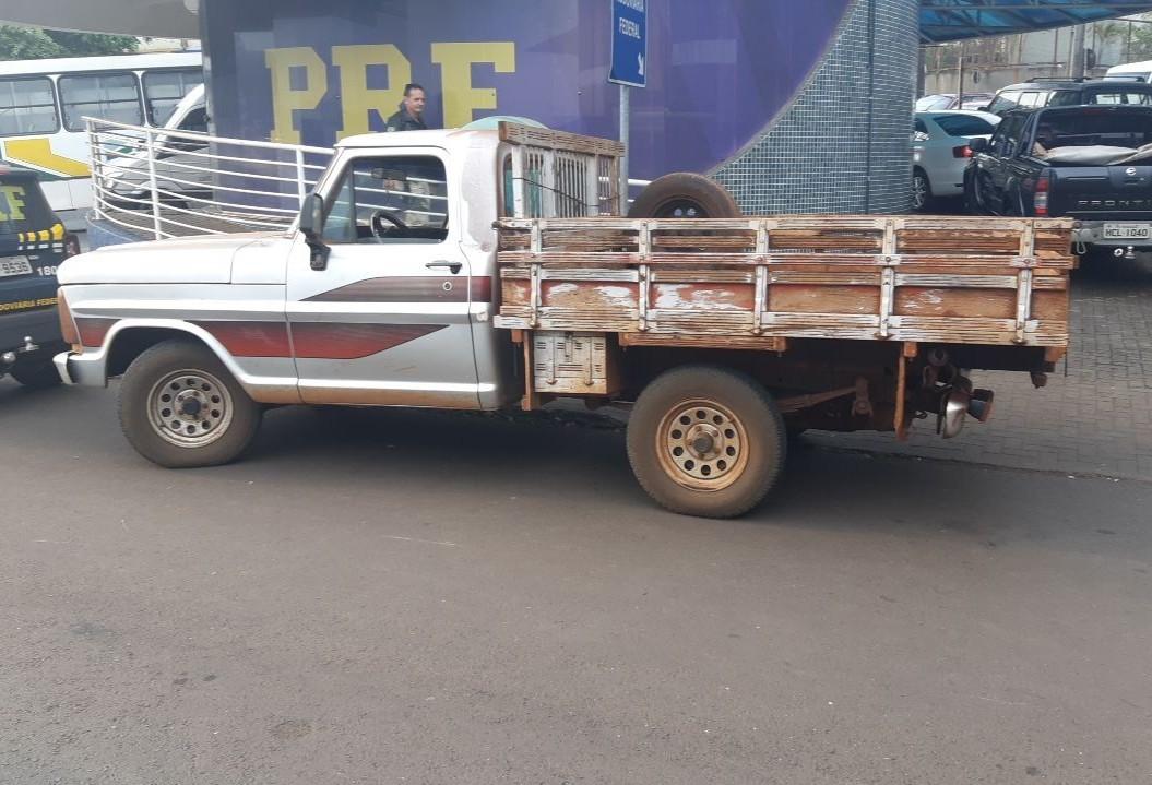 PRF recupera veículo roubado na fronteira entre Brasil e Paraguai