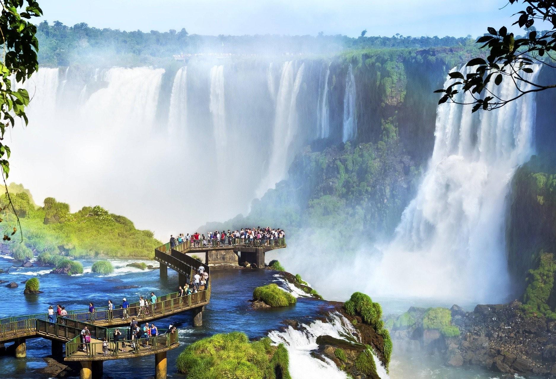 Atividades comerciais poderão voltar com 100% da capacidade de ocupação em Foz do Iguaçu
